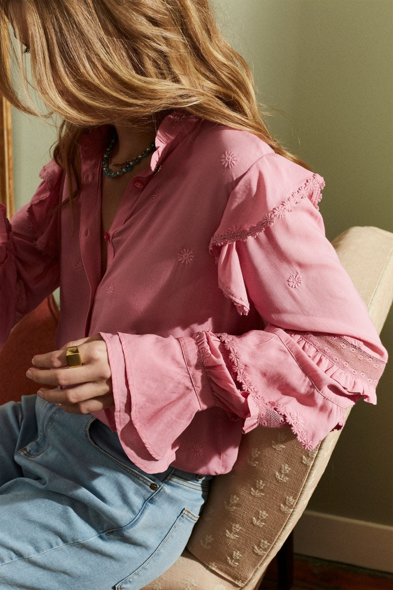 Leo frill embro blouse sweet pink-2