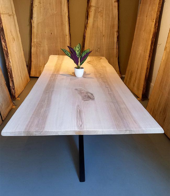 HET TAFELARSENAAL Boomstamtafel van essenhout 250 x 100 cm met 200 cm matrix zwart