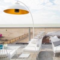 Heatsail Dome parasol chauffant infrarouge au terrasse a la plage