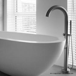 JEE-O Original design badkraan met Moloko vrijstaand bad
