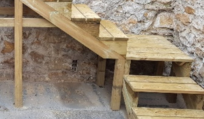 How do you build wooden outdoor stairs?