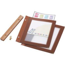 Speisenkarte mit Holzschiene bordeaux