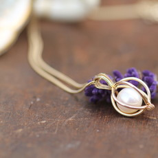Oyster Gold Pearl Necklace