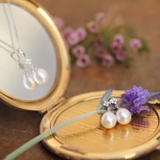 White Gold Daisy Diamond Necklace
