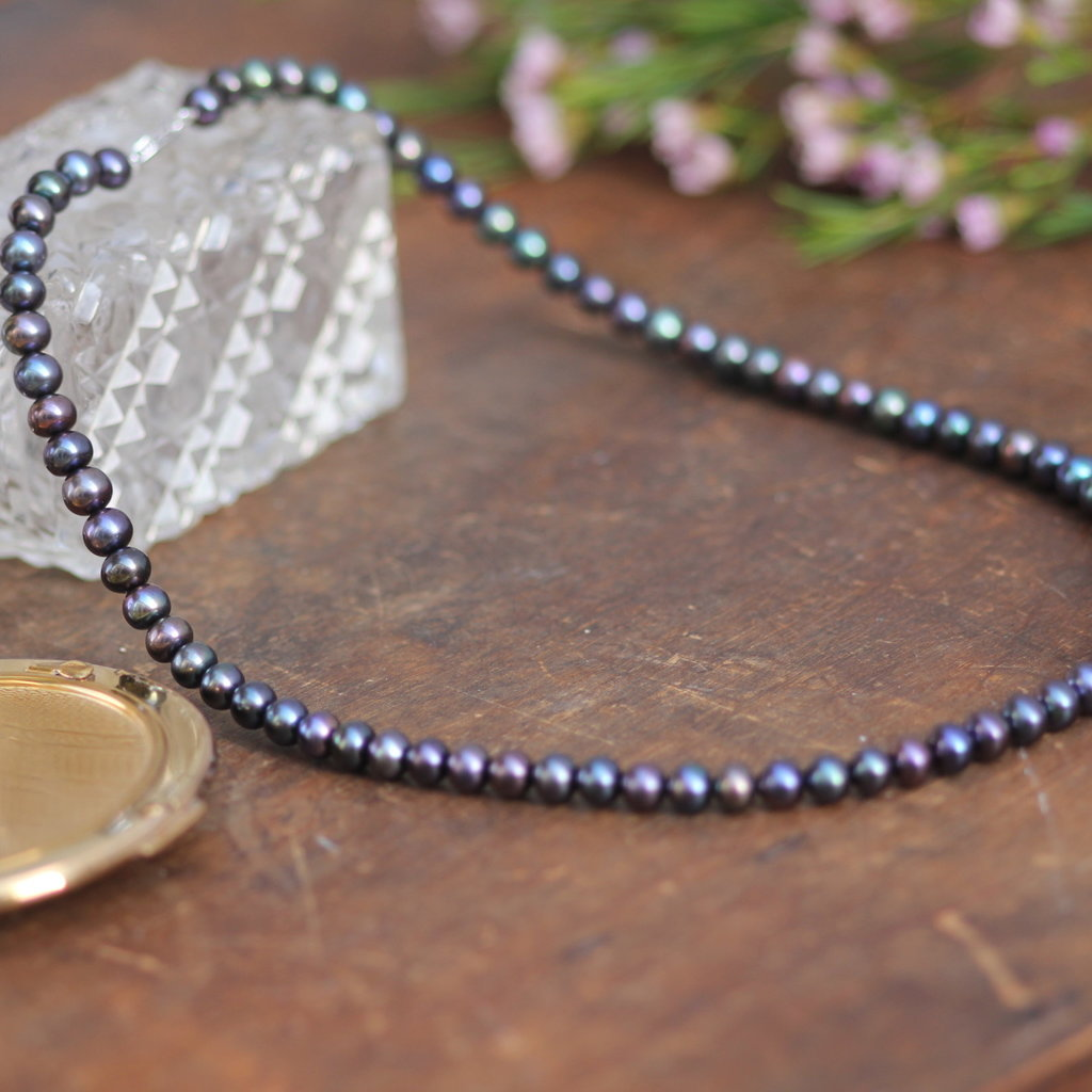 Joulberry Silver Black Freshwater Pearl Strand