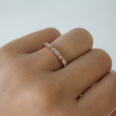 Rose Gold Diamond Sette Ring