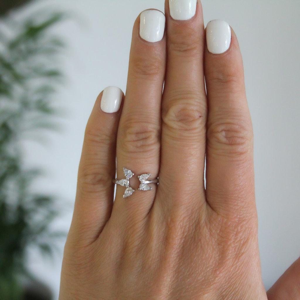 LUNA White Gold Star Ring