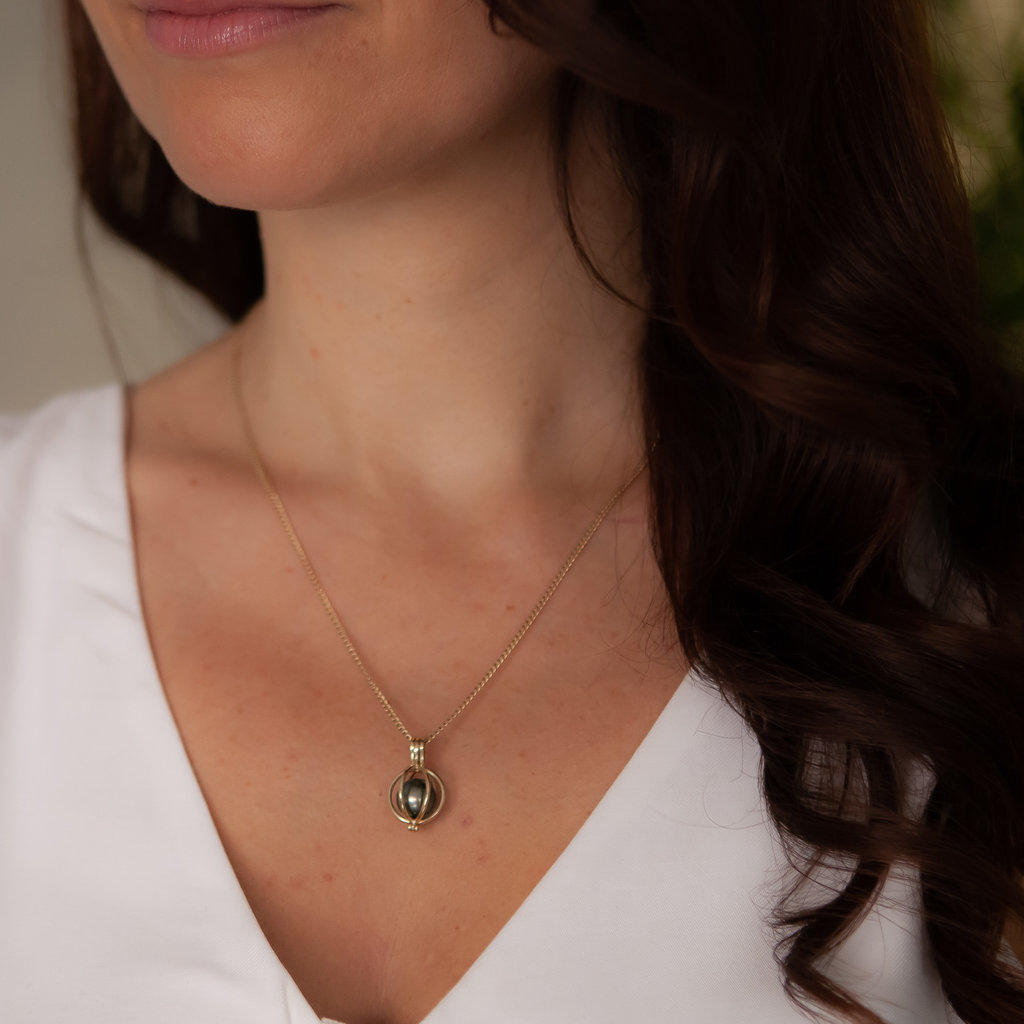 Joulberry Oyster Gold Tahitian Pearl Necklace