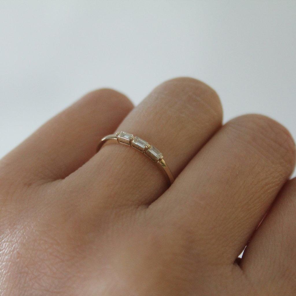 Gold Lilly Trio Diamond Ring