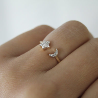 Joulberry Gold Moon and Star Diamond Ring