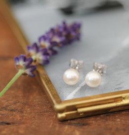 Joulberry White Ocean Pearl Stud Earrings