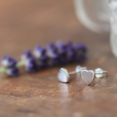 Joulberry White Gold Slender Heart Earrings
