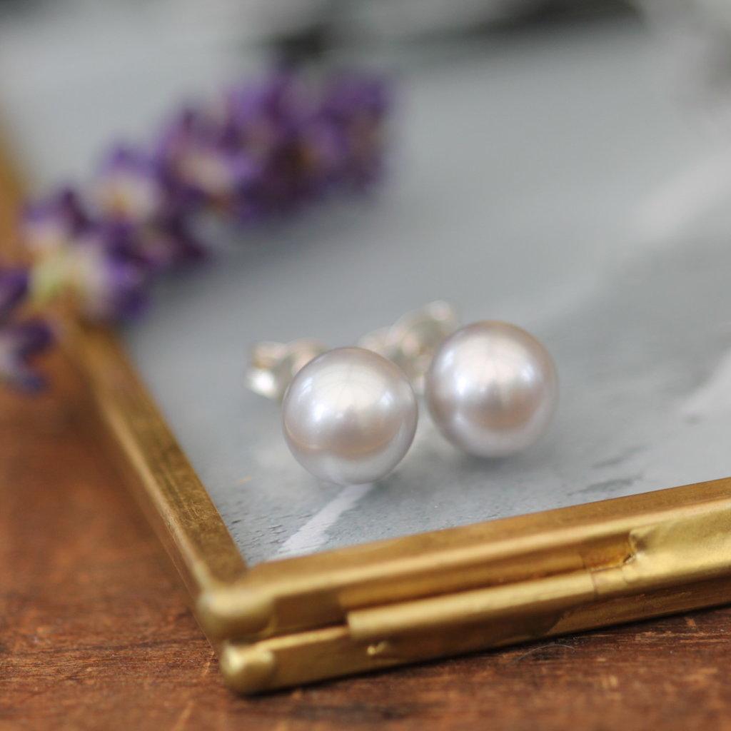 Joulberry Grey Ocean Pearl Stud Earrings