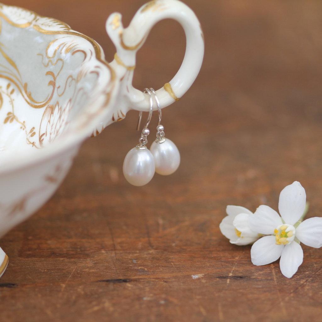 GATSBY White Teardrop Pearl Drop Earrings