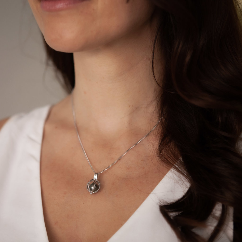 Oyster White Gold Tahitian Pearl Necklace