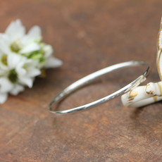 Joulberry Silver Elipse Bangle