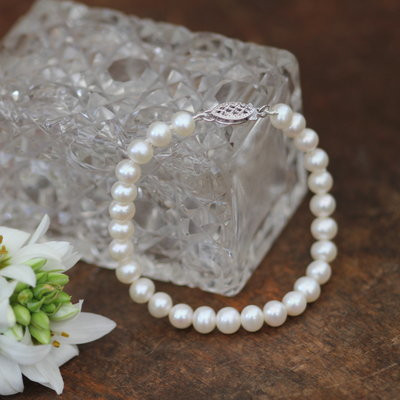 Joulberry White Pearl Bracelet