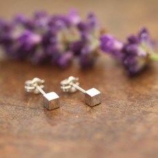 Joulberry White Gold Cube Earrings