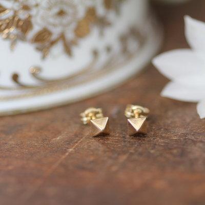 NOVA Golden Pyramid Earrings