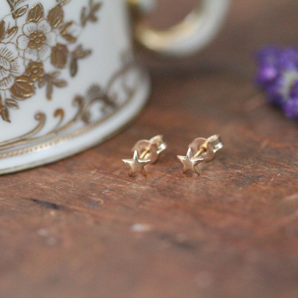 LUNA Gold Star Earrings