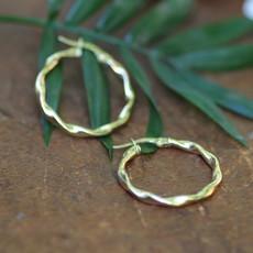 Joulberry Gold Twist Hoop Earrings