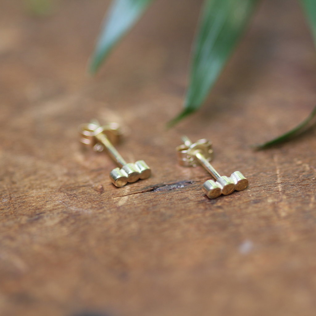 Joulberry Gold Hive Bar Earrings