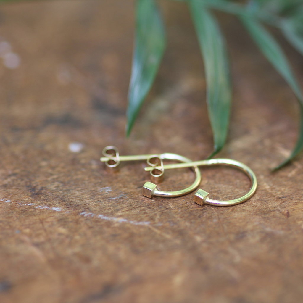 NOVA Gold Evelyn Cube Earrings