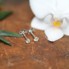 DAISY 9 Carat White Gold Petite Diamond Studs