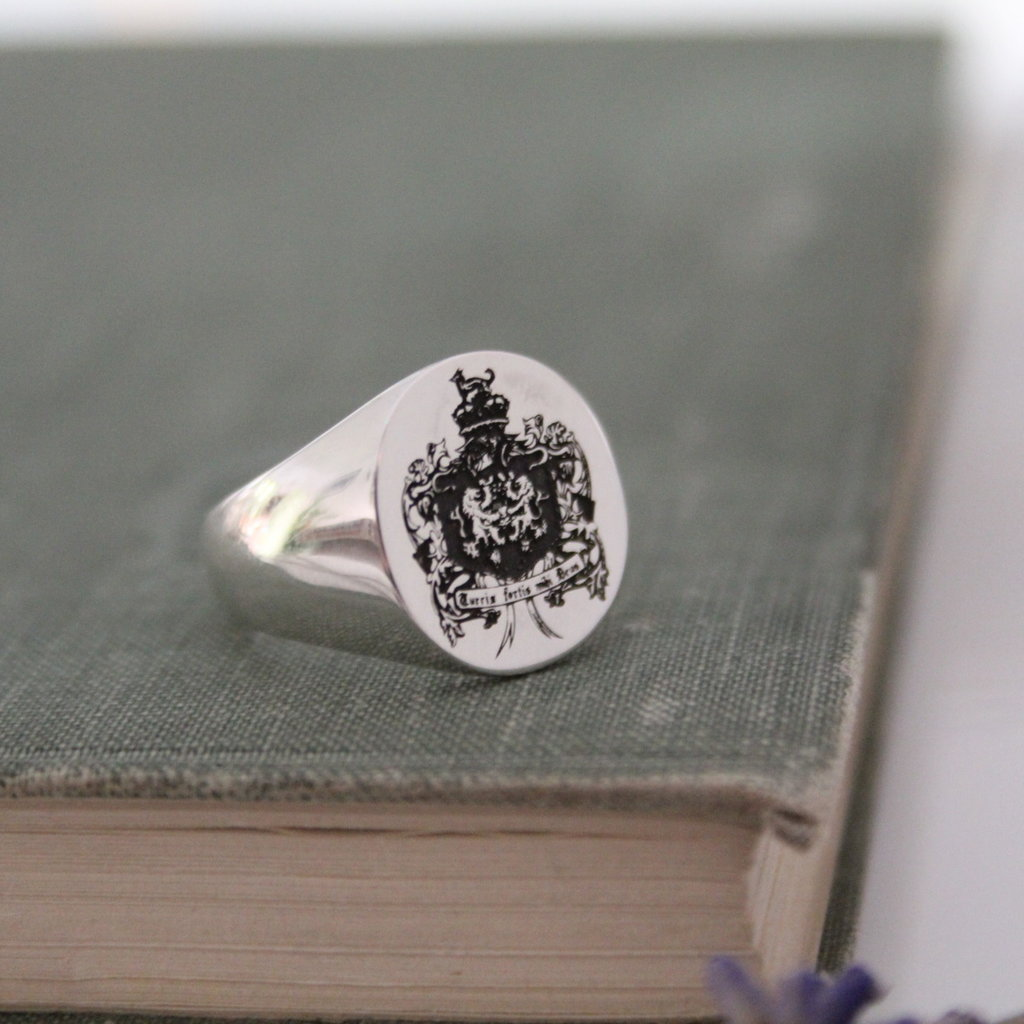 Joulberry Silver Crest Signet Ring