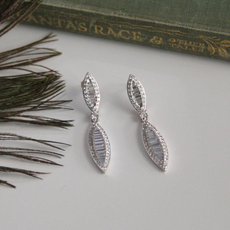 GATSBY White Gold Diamond Megan Earrings