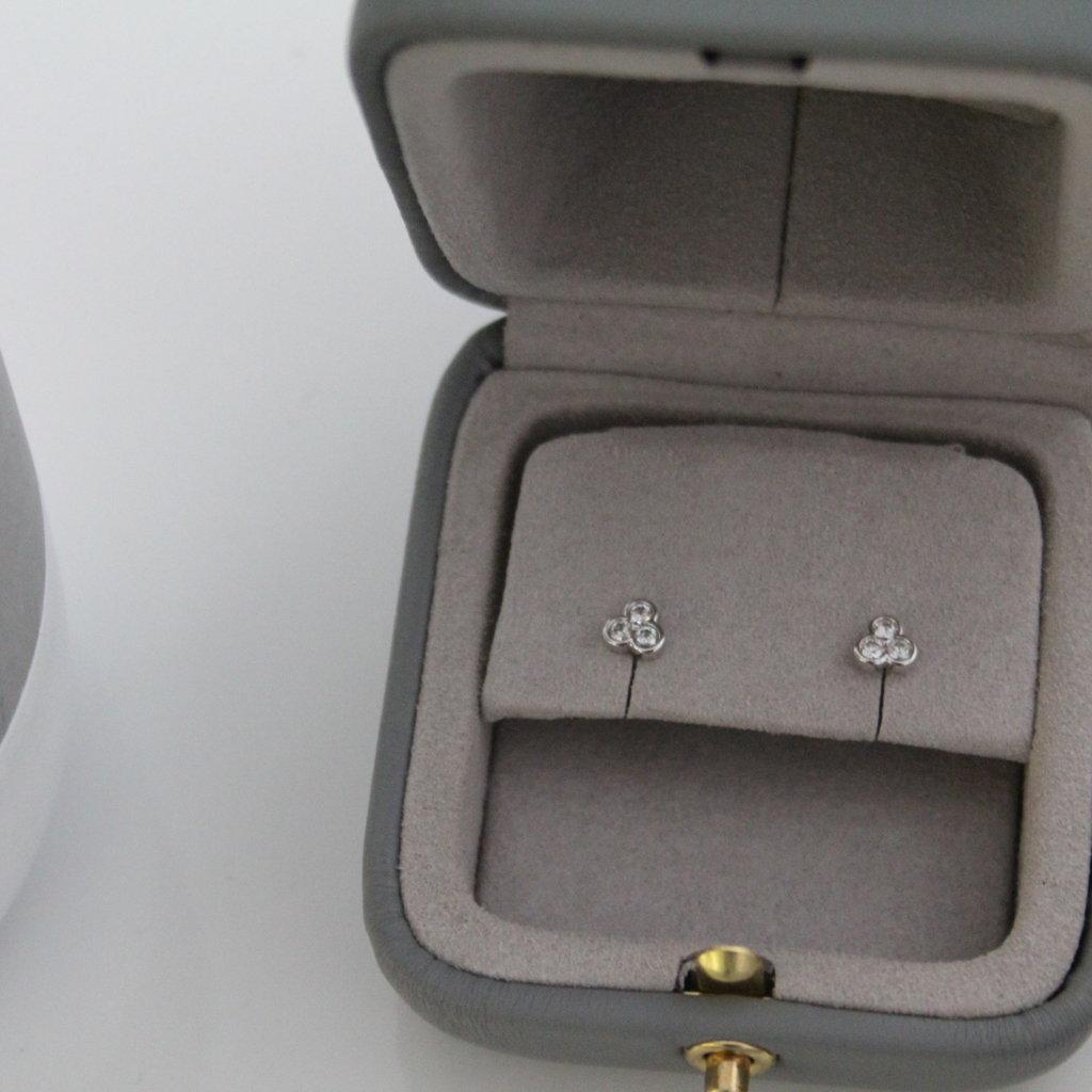 DAISY White Gold Ivy Tri Diamond Earrings