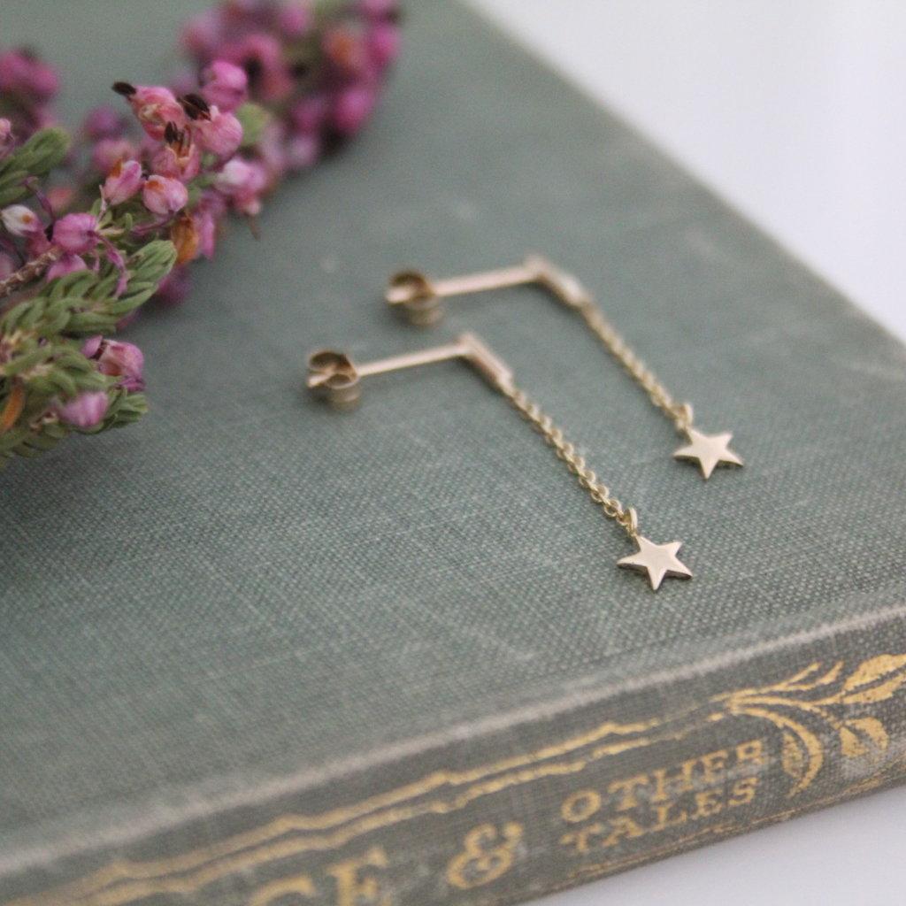 Gold Star Chain Dangly Earrings