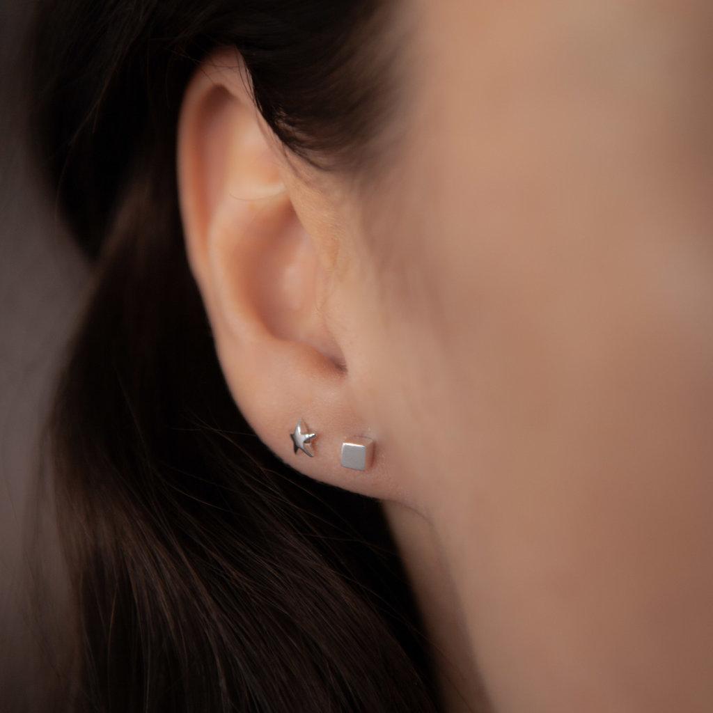 LUNA White Gold Star Earrings