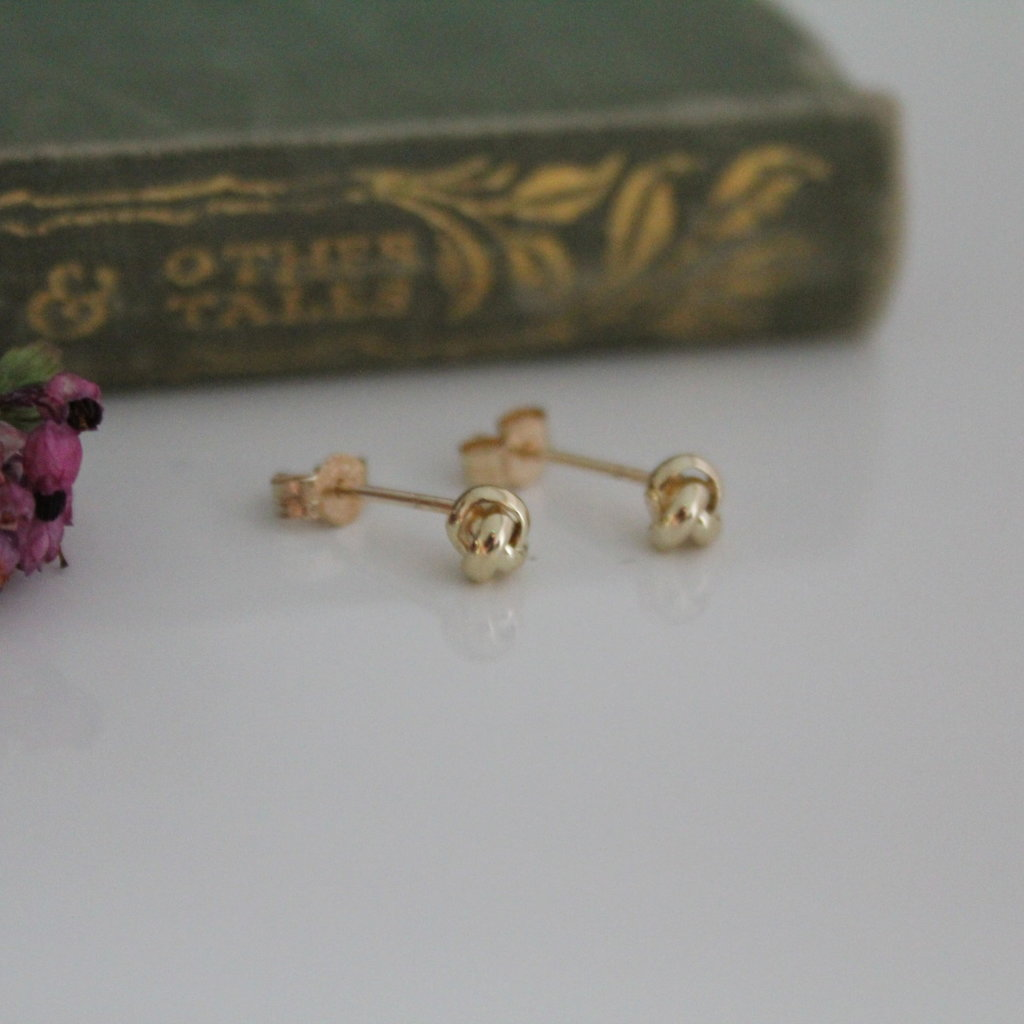 Joulberry Gold Love Knot Earrings