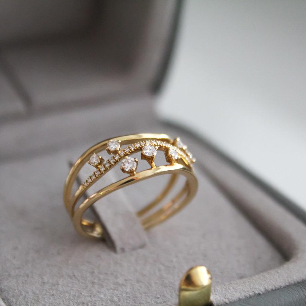Gold Evelyn Diamond Ring