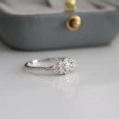 Vogue White Gold Lady Gatsby Diamond Ring