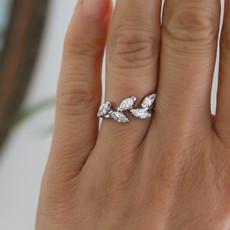 Joulberry Platinum Marquise Diamond Leaf Ring