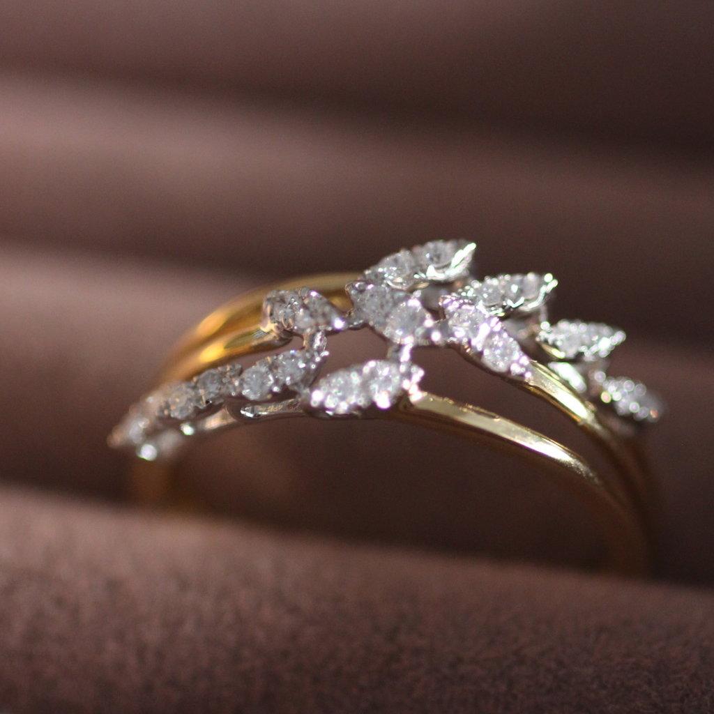 Vogue Gold Diamond Willow Ring