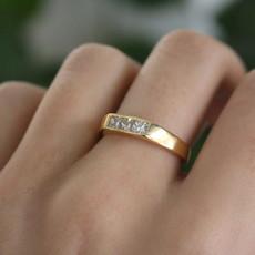 Diamond 18 Carat Gold Letizia Ring