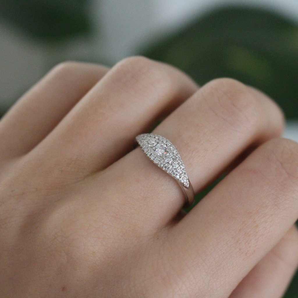 Joulberry Vogue White Gold Sanibel Diamond Ring