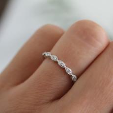 BLOSSOM White Gold Silhouette  Diamond Ring