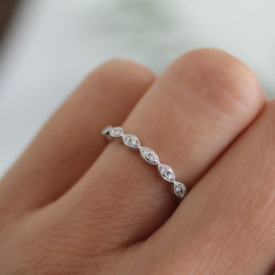 White Gold Silhouette Diamond Ring