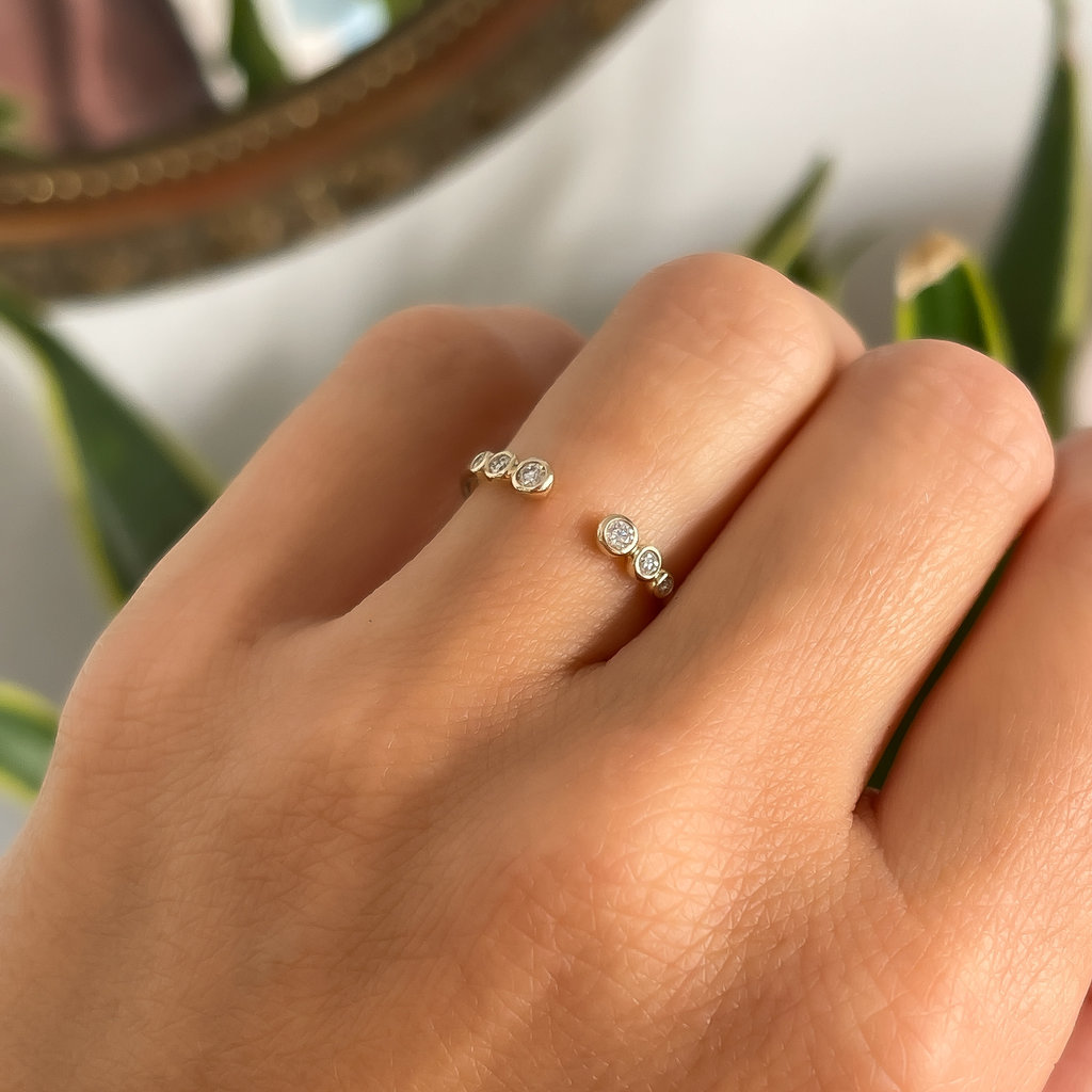 DAISY Gold Aviana Diamond Ring