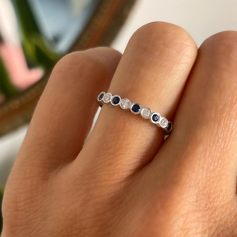 DAISY White Gold Sapphire and Diamond Ara Ring 9 Stone