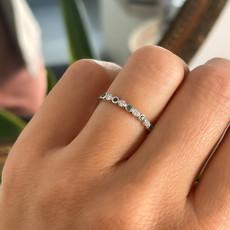 DAISY White Gold Ara Emerald & Diamond Ring
