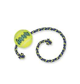 Kong Kong Air Squeaker Ball met touw