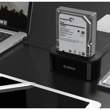 Orico  Docking station voor 2.5 inch of 3.5 inch harde schijf - HDD/SSD - Incl. datakabel en stroomadapter - LED-indicator - Hoogglans Zwart