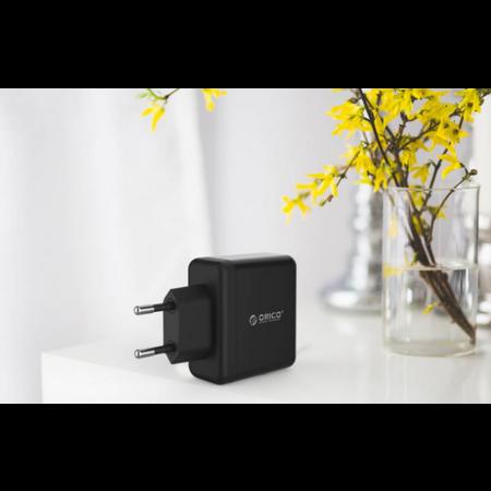Orico   Compacte reis/thuislader met 3x USB-laadpoorten - 5V-2,4 per poort - IC Chip – Zwart