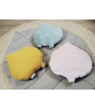 Leaf Pillow Pink Velvet