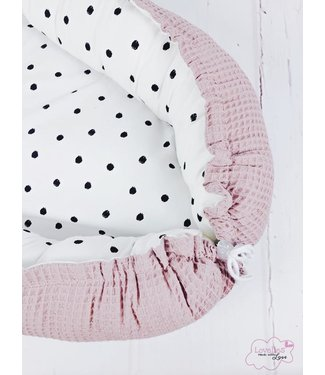 Babynest Poederroze  Wafel & Black Dots